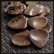 Stub Tones - Coconut - 1 Guitar Pick | Timber Tones